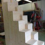 Escalier à pas décalés bois sur mesure
