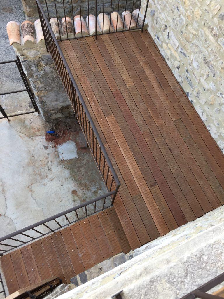 Mise en uvre d 39 une terrasse ext rieure en lames bois exotique ipe - Bois pour menuiserie exterieure ...