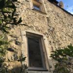 Menuiseries extérieures d'une maison de village à Rochemaure